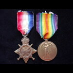 1914/15 STAR and VICTORY MEDAL to L-15505 PTE Arthur Herbert OAKES [OAKIS] 2nd MIDD'X. REGT - Bor...