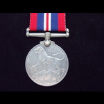 WAR MEDAL to 31657 L.BOUWER  - An officially named WW2 South African issue