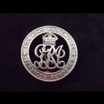 SILVER WAR BADGE awarded to PTE Walter DICKENS K.R.RIF.C. later HERTFORDSHIRE REGT